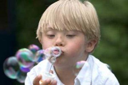 boy_blowing_bubbles lg